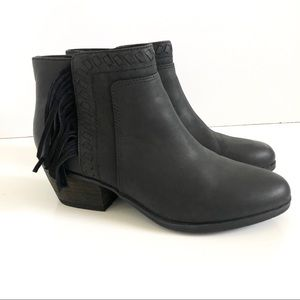 Clarks Artisan Black Ankle Boots Size 7